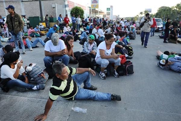大篷车移民压境 川普政府:非法越境者不得申请庇护