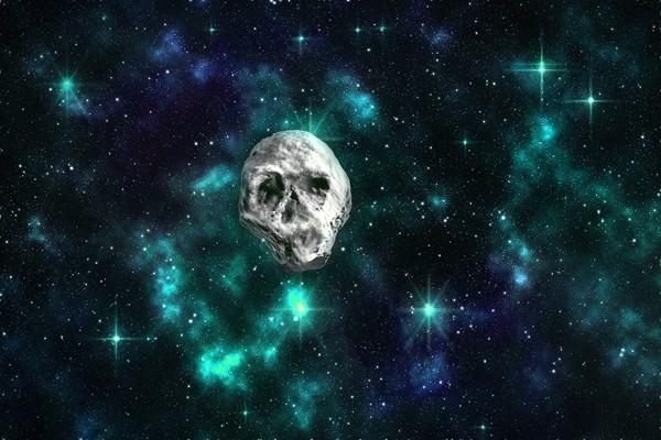 一顆巨大「骷髏頭」飛近地球 科學家警告