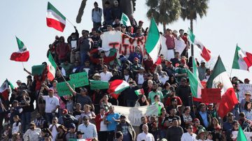 大篷車難民非法入境 墨西哥居民抗議