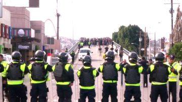 大篷車移民逼近邊境 川普:或將關閉邊境