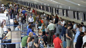聖誕前週末 聖荷西機場現客流高峰