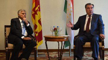 斯里兰卡结束双总理乱局 亲共总理下台