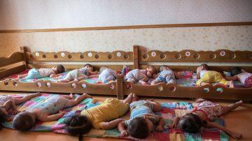 嬰兒猝死症候群 寶寶趴睡成高風險