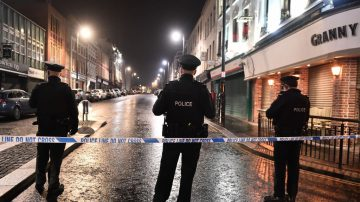 疑恐怖攻击 北爱尔兰法庭外汽车爆炸