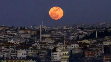 亞洲難窺「超級血狼月」 猶太預警:將有強大國家垮台