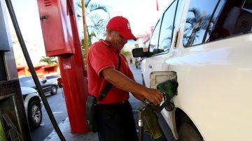 財經速瞄:OPEC減產油價升 李嘉誠蟬聯香港首富