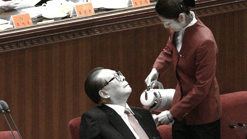 央视恶搞江泽民:被孙女尿了一裤子