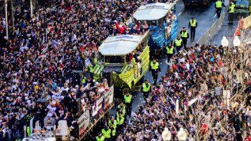 超级碗庆功游行 爱国者队与球迷分享快乐