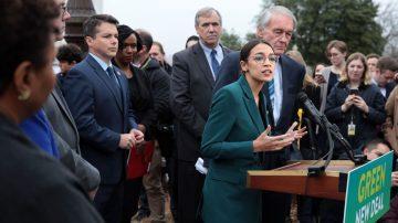 民主黨左翼力推綠色新協議 專家:完全失敗方案