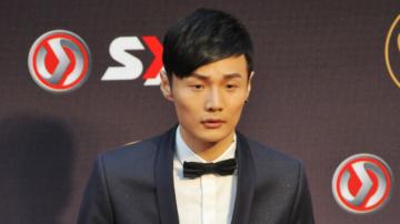 李榮浩巡演上海起跑 楊丞琳打卡「我在這」