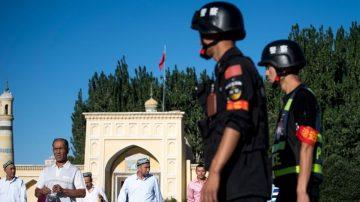 【今日點擊】中國白皮書稱近年在新疆逮捕一萬多暴恐人員