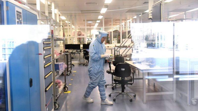中国芯片自力更生?全球最大光刻机公司遭中企窃密